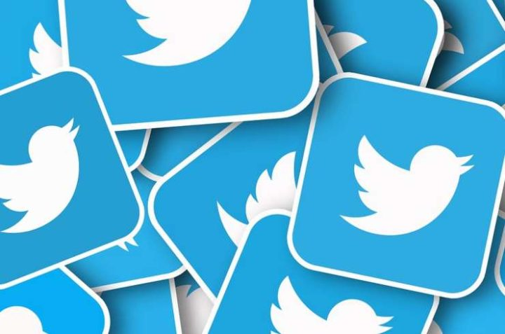 Varios logos de Twitter