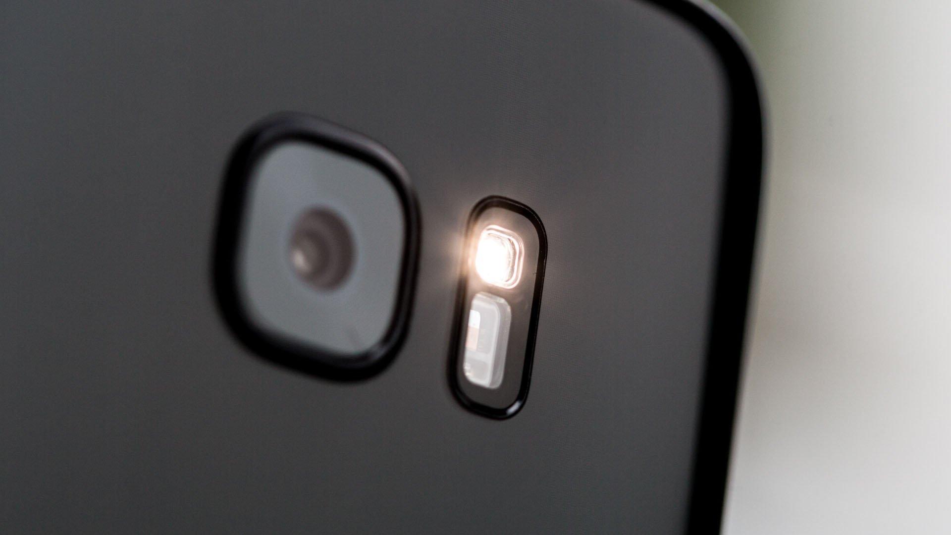 Linterna Android con uso de flash
